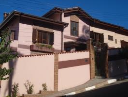 Centro,Guararema,São Paulo,Brasil 089000000,3 Quartos Quartos,Casa,1215