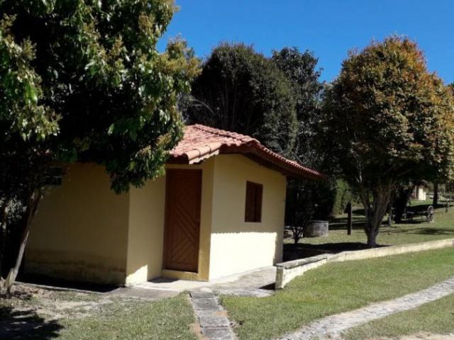 DOZINHO LEITE,GUARAREMA,São Paulo,Brasil 08900000,9 Quartos Quartos,6 BanheirosBanheiros,Chácara,1559